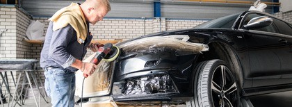 """""""Autoschadebedrijf van't Hoog & van Eldik is een flexibele, daadkrachtige organisatie."""""""